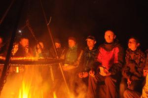 Kolacja przy ognisku
